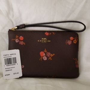Coach Corner Zip Wristlet New with Tag